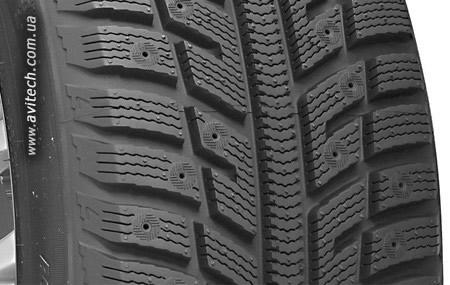 Kumho I'Zen KW22 pattern tread design